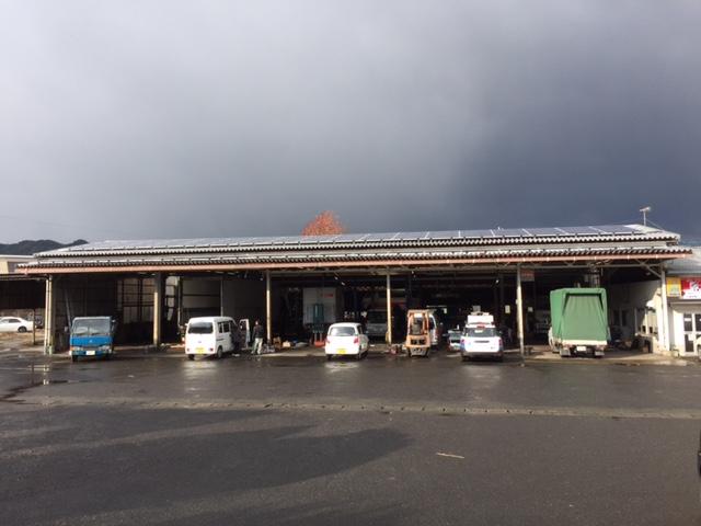 日東興業折半屋根設置